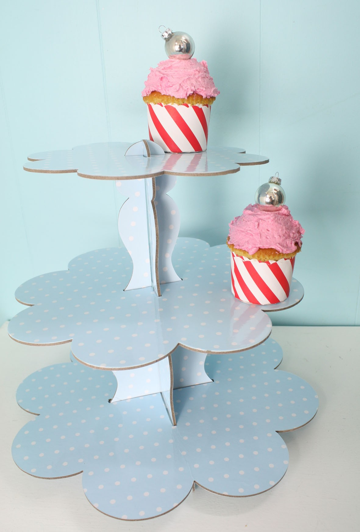 ROBERT GORDON BLUE DOTS CUPCAKE 3 TIER STAND DISPLAY